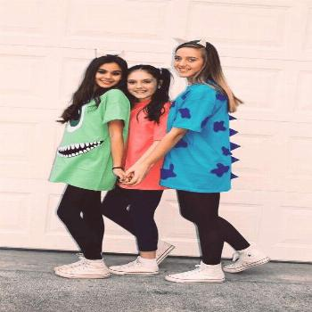 Check out best Group Halloween costumes idea that'll you'll besties will absolutely love. Flaunt yo