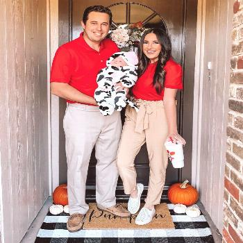 DIY family Halloween costume, chick Fil a costume, newborn easy Halloween costume, family costume,