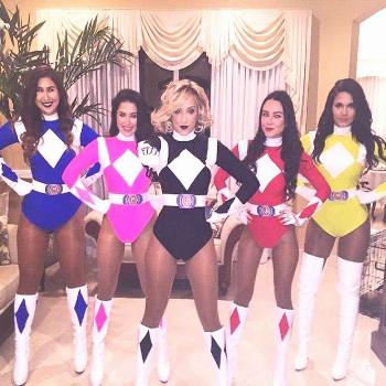 Group Halloween Costume Ideas Group Halloween Costume Ideas for your Girl Squad: Power Rangers. Vis