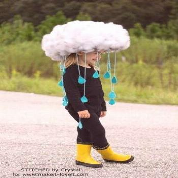 Make a quick & easy RAIN CLOUD COSTUME...Diy kids dress up, would be great to make togehter. tha ba