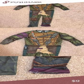 Ninja Turtles Costume Size boys small 6/7 Small tear by the leg- shown in the pictures  Please note