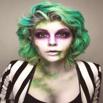 The 50 Most Jaw-Dropping Halloween Makeup Ideas on Instagram. Use this great Beetle Juice makeup fo