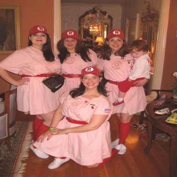 The Rockford Peaches from A League Of Their Own . | 19 Awesome DIY Halloween Costumes To Start Maki