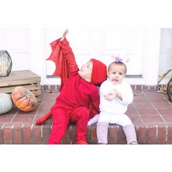 Very late on getting Halloween photos posted, but here they are!